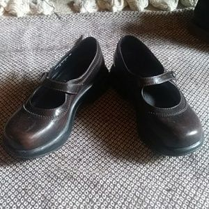 Dansko maryjane clogs